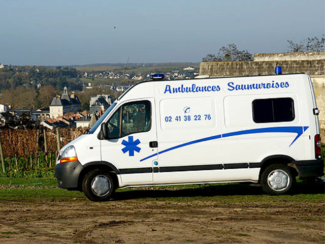 ambulances maine et loire